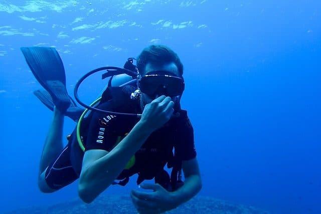 Claustrophobe et plongée sous-marine.